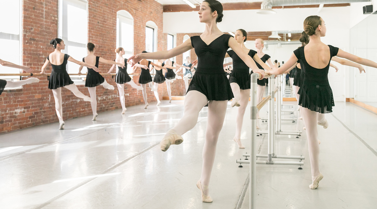 ballerinas-all-at-barre-1200