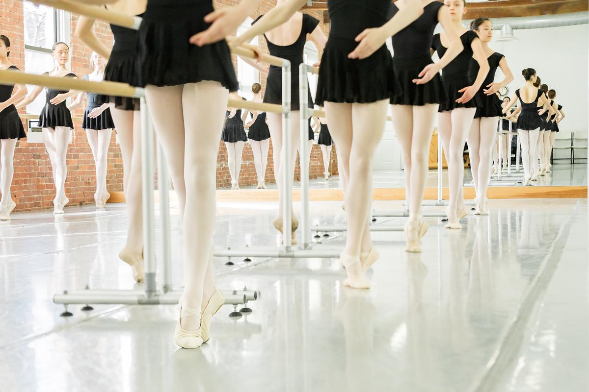 ballerinas-at-barre-1200